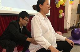 关爱孕妈--梧州市工人医院产科举办孕妇沙龙活动