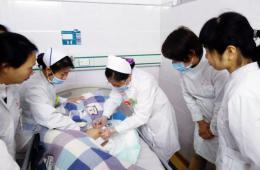 梧州市工人医院与市社会福利院开展护理技术交流