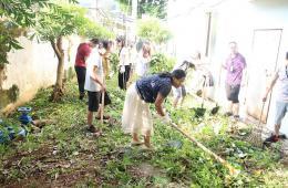 【争创全国卫生城市】我院组织职工开展环境卫生大扫除