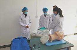 梧州市工人医院科教科组织开展三基技能系列培训
